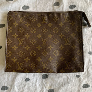 AUTHENTIC LOUIS VUITTON TOILETRY POUCH 26 COSMETIC